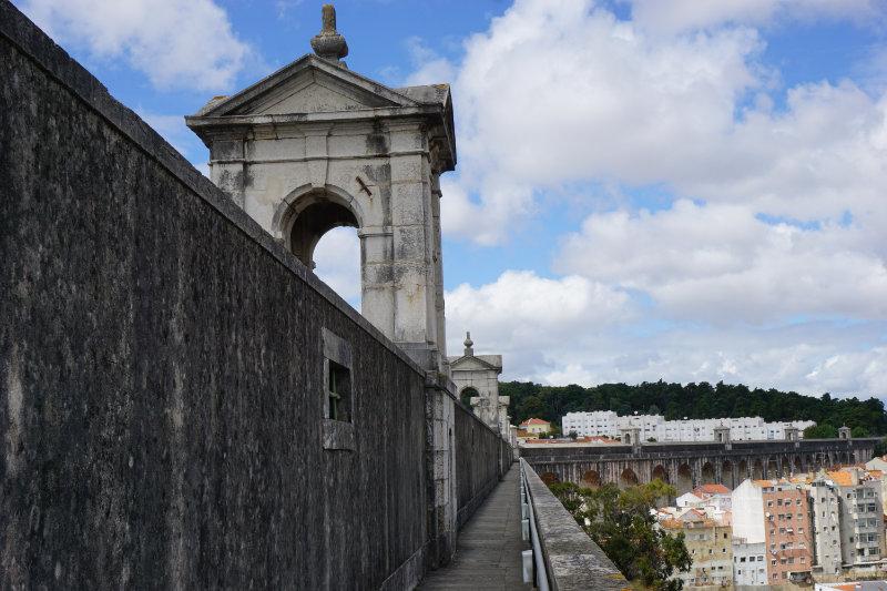 Geheimtipp für Lissabon - Spaziergang auf dem Aquädukt