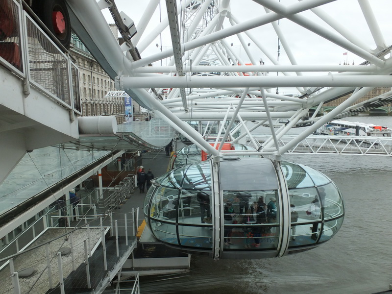 London Eye – a ride on the Ferris wheel