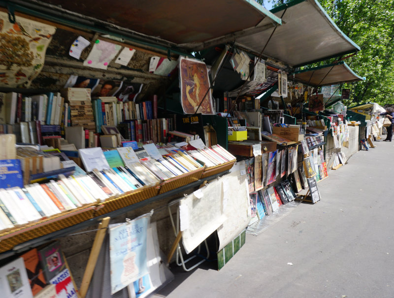 bouquinistes of Paris