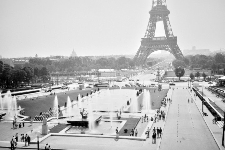 1991 View of the Eiffel Tower from Palais du Trocadéro