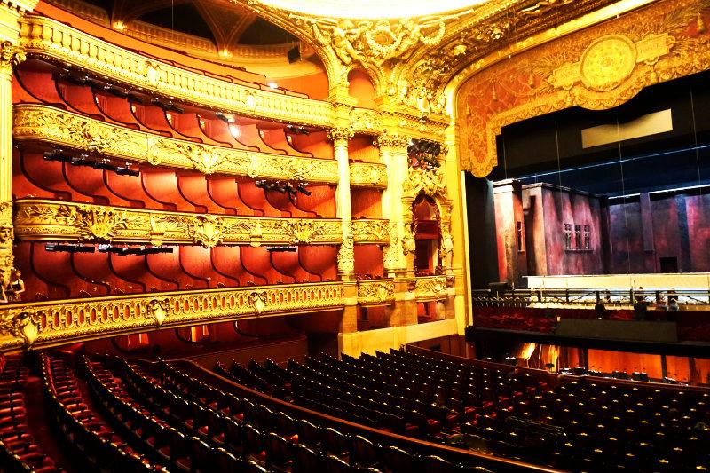 inside Palais Garnie