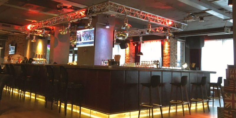 Bar im Pentahotel Prague