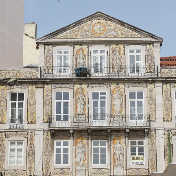 Get on track of tiled art in Lisbon