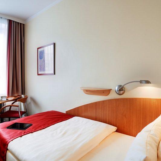 QUALITY HOTEL AMBASSADOR HAMBURG